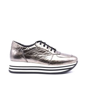 Women's platform sneaker in laminated patent leather